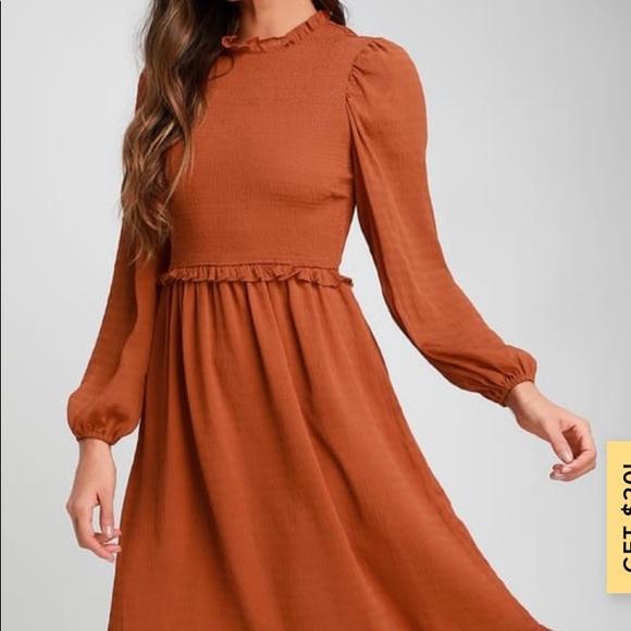 Lulu's Dresses & Skirts - Lulus NWT rust orange long sleeve midi dress